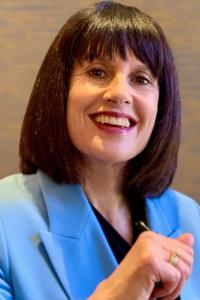 Dr Fiona Broderick